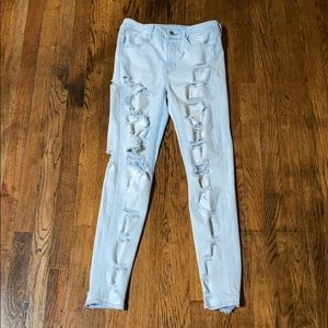 American Eagle Light Wash Distressed Skinny Jeans